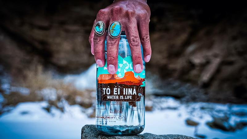 """Tó éí iiná"" Water Bottle Raises Funds for Navajo Nation"